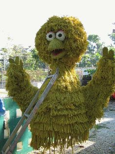 """Topiary """"Big Bird"""" from PBS show """"Sesame Street"""" by Topiary Joe, a company specializing in advertising, specifically doing brand messaging through topiaries."""