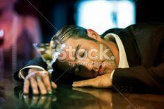stock-photo-22499247-drunk-man-sleeping-at-bar-counter.jpg (380×253)