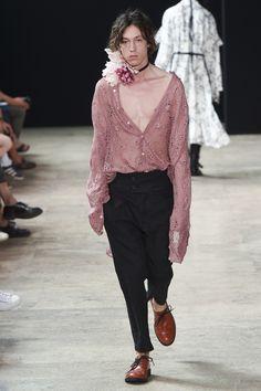 Ann Demeulemeester Spring 2018 Menswear Collection Photos - Vogue