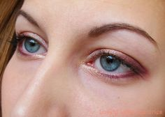 Lovely Little Lux-uries: Sleek MakeUP: Vintage Romance Eyeshadow Palette look