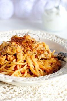 Sos Boloński ze Śmietaną - Just My Delicious Spaghetti, Ethnic Recipes, Food, Essen, Meals, Yemek, Noodle, Eten