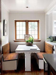 Kitchen Nook Design Ideas With Banquette Seating - channing news Kitchen Banquette, Banquette Seating, Kitchen Nook, Kitchen Booths, Dining Booth, Kitchen Breakfast Nooks, Breakfast Knook, Booth Seating, Fancy