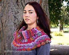 Free crochet pattern: Waves of Warmth Cowl by Pattern Paradise #12WeeksChristmasCAL