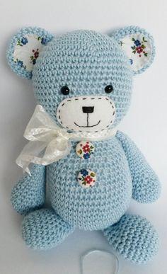 Handgemachte Amigurumi Teddybär ist sehr kuschelig und so ein Schatz! Er ist sehr nett und an Wunder glaubt! Er glaubt, dass Wolken aus Zuckerwatte! Er macht ein perfektes Geschenk für jedes Kind und kann als eine Kinderzimmer-Dekoration verwendet werden. Größe: 23 cm (Aprox. 9 Zoll) kommt