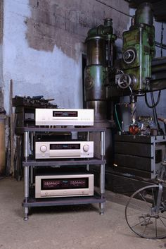 Industrial archaeology #bassocontinuo #madeinitaly #audiorack #thebestornothing #handmade #carbonrack #carbonfiber #luxury #design #hifi #accuphase #archaelogy #officialpictures #shooting #highresolution #canond5