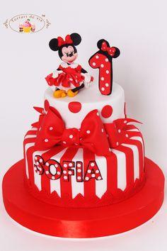 Torturi - Viorica's cakes: Tort Minnie pentru Sofia Birthday Board, Birthday Cakes, Mickey Mouse Cake, Character Cakes, Specialty Cakes, Celebration Cakes, Let Them Eat Cake, Beautiful Cakes, Cake Designs