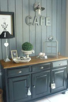 Vieux meuble en bois relooké : Un petit coup de peinture peut transformer un vieux meuble en bois. Upcycled Furniture, Wooden Furniture, Furniture Design, Home Staging, Cool Ideas, Furniture Makeover, Decorating Your Home, Sweet Home, Interior