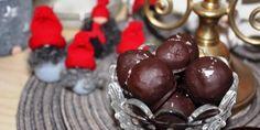 Pepparkaksbollar med mörkt chokladöverdrag