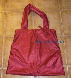 ¡Mi propia bolsa de paraguas reciclado!