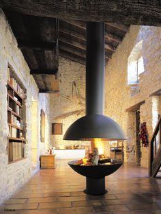 cheminee mezzofocus foyer central suspendu ouvert à bois