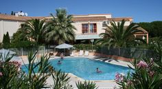 Hotel Hélios Cap d'Agde Located in the seaside resort of Cap d'Agde, this hotel features an outdoor, heated swimming pool and a 5000 m² Mediterranean garden. It is situated 2 km from the beach.