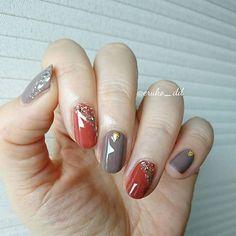 eruko (えるこ)さんはInstagramを利用しています:「テラコッタ×ブラウンネイル💅 ゴールドラメでキラキラ✨をのせて~ * * ネイルホリック / BR311 /BR315 プラネットネイルポリッシュ / 08 時計回りの恒星 * * #ネイル #セルフネイル #ポリッシュ #ポリッシュネイル #マニキュア #ハンドネイル…」 Red Manicure, Manicure And Pedicure, Creative Nail Designs, Creative Nails, Cute Nails, Pretty Nails, Coffin Nails, Acrylic Nails, Self Nail