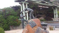 War Memorial  #greatoceanroad #melbourne #adelaide #victoria #tour #wildlifetours #backpacking #backpackers #warrnambool #adventure #nomad #traveller #travelling #wanderlust #couplesontour #dream #travelblog #travelblogger #traveler #traveling #travel #travelgram #instatravel by surfingandriffs