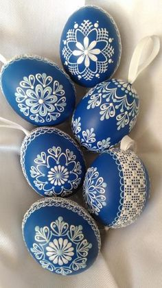45 Next-Level Easter Eggs Decoration Ideas and Projects - Hercottage Egg Crafts, Easter Crafts, Carved Eggs, Easter Egg Designs, Easter Ideas, Ukrainian Easter Eggs, Diy Ostern, Egg Art, Egg Decorating