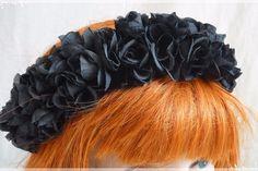 Schwarze Blütenkrone