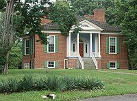 Farmington Louisville, Ky -Built for John and Lucy Fry Speed during 1815-16, this Federal-style house has an unusual two central octagonal rooms and a suppressed staircase, closely resembling a plan Thomas Jefferson designed for an unidentified house. Lucy was related to George Divers, who lived at another house named Farmington, designed by Jefferson, which Lucy had undoubtedly seen. It is thought that Lucy would have wanted a sophisticated home like those she had known in Jefferson's…
