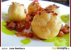 Plněné bramborové knedlíky uzeným masem, zelí recept - TopRecepty.cz Baked Potato, Potato Salad, Potatoes, Baking, Ethnic Recipes, Food, Potato, Bakken, Essen