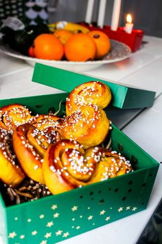 Annorlunda lussekatter ... | Nina Hermansen - Niiinis Kitchenlife Doughnut, Tart, Xmas, Desserts, Mirrors, Instagram, Creative, Tailgate Desserts, Cake