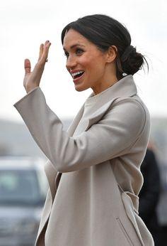 Meghan Markle Photos Photos - Prince Harry And Meghan Markle Visit Northern Ireland - Zimbio