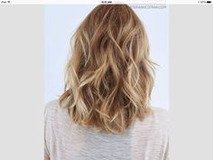 Check Out 25 Shoulder Length Layered Hairstyles. Shoulder Length Layered Hairstyles are common and easy to sport. Hair Day, New Hair, Girl Hair, Corte Y Color, Popular Haircuts, Great Hair, Amazing Hair, Hair Lengths, Hair Goals
