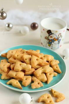 ...konyhán innen - kerten túl...: Sajtos keksz Cheddar, Cookies, Desserts, Food, Biscuits, Meal, Cheddar Cheese, Deserts, Essen