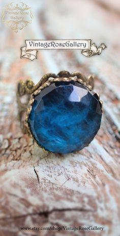 Apatite doublet Boho Ring Blue Gemstones Bohemian Ring , Blue Denim Boho Chic Ring by VintageRoseGallery Trendy Jewelry, Handmade Jewelry, Boho Jewelry, Handmade Items, Jewellery, Etsy Vintage, Vintage Shops, Bohemian Rings, Doublet