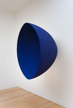 Void (#15) 1992 fibreglass and pigment Anish Kapoor