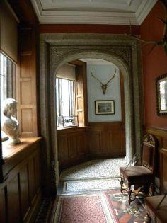 Lanhydrock House and Garden: Sunny corridor
