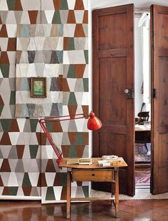 A stunning homage to Constantin Brancusi, the patriarch of modern sculpture and pioneer of modernism, this wallpaper evokes the magnificent volumes of the. Hand Painted Wallpaper, Painting Wallpaper, Constantin Brancusi, Modern Sculpture, Retro, Neutral Colors, Interior Inspiration, Mid-century Modern, Interior Design