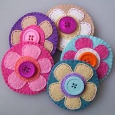 Circle Felt Flower Brooch