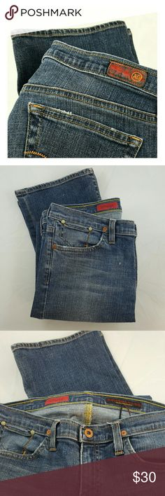 AG the Prestige Medium Wash Denim Jeans Great boot cut jeans, embroidered pockets on medium wash denim, mid-rise, boho style  Size 28 Regular  By Adriano Goldschmied, the Prestige Made in USA AG Adriano Goldschmied Jeans Boot Cut