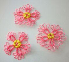 1 Fleur Rose 3cm en dentelle frivolité à la navette (oya) fait main pour décoration couture