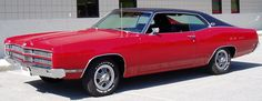 1969 Ford Galaxie XL 429ci/330hp/WideRatio 4speed This looks like the car I drove when I was in College. I loved it!