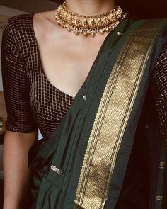 Follow This Brand To Find Chic Saree Blouse Combinations! • Keep Me Stylish Blouse Back Neck Designs, New Saree Blouse Designs, Bridal Blouse Designs, Dress Indian Style, Indian Dresses, Abaya Style, Saree Jewellery, Saree Trends, Saree Models