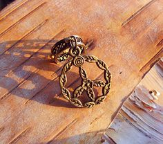Antiques Floral Peace Sign Charm Dreadlock Accessory, <3