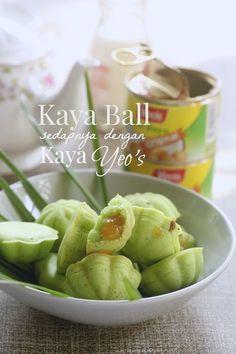 Kaya Ball Dengan Seri Kaya Yeos' Yang L Berkatdirasabersama - DIY & Crafts Asian Snacks, Asian Desserts, Asian Recipes, Malaysian Dessert, Malaysian Food, Malaysian Recipes, Mooncake Recipe, Asian Cake, Donuts