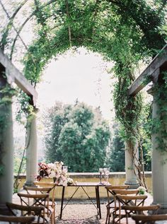 6 of the Top European Wedding Destinations for 2019 - Garden Diy European Destination Weddings, European Wedding, French Wedding, Rustic Wedding, Wedding Tips, Wedding Events, Wedding Blog, Wedding Photos, Wedding Planning