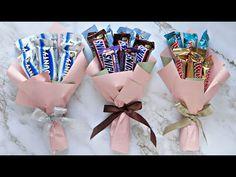 Candy Bouquet Diy, Food Bouquet, Flower Bouquet Diy, Gift Bouquet, Boquet, Diy Hair Bow Holder, Flower Box Gift, Ramadan Gifts, Diy Birthday Decorations