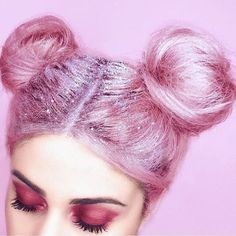to get your sparkle on. glitter roots are officially a THING Prepare to get your sparkle on. glitter roots are officially a THINGPrepare to get your sparkle on. glitter roots are officially a THING Hair Inspo, Hair Inspiration, Glitter Makeup Tutorial, Glitter Roots, Pink Glitter, Glitter Balloons, Glitter Bomb, Glitter Glue, Glittery Nails