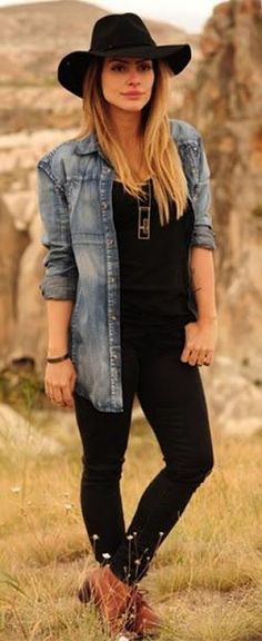 Western Boho Denim Look Boho Fashion, Girl Fashion, Winter Fashion, Fashion Outfits, Look Boho, Look Chic, Look Camisa Jeans, Outfits Leggins, Looks Country