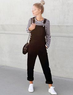 Summer Fashion Trends Best Outfit Ideas That You Need - Knitters Girls Rompers, Rompers Women, Jumpsuits For Women, Overalls Fashion, Overalls Outfit, Dungarees, Romper Dress, Playsuit, Outfits Otoño