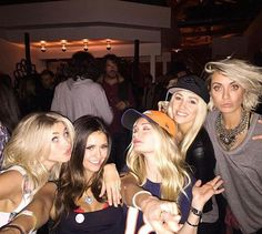 Nina Dobrev, beautiful, and julianne hough Bild