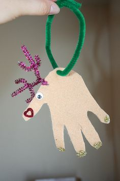 Handprint reindeer - great idea for Christmas time :)