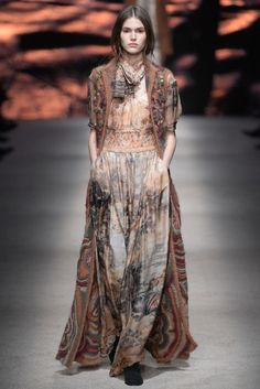 Alberta Ferretti - Regal Russian themed collection. Ferretti always has such as luxurious collection. The suede, furs, and scenic dresses were the highlight of the collection. thestyleweaver.com Fall 2015 Ready-to-Wear