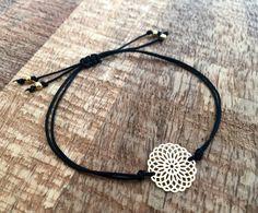 Armbänder - Armband Macramé schwarz Boho Mandala gold - ein Designerstück von saniLou bei DaWanda