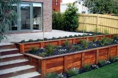 Raised patio steps plants Ideas for 2019 Diy Pergola, Diy Deck, Gazebo, Pergola Kits, Pergola Ideas, Deck Railing Ideas Diy, Patio Railing, Diy Porch, Balcony Ideas
