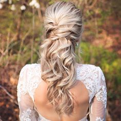 Blonde+Wavy+Half+Updo+For+Brides