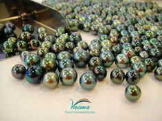 Tahiti Black, Grey, Green & Peacock Pearls
