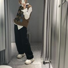 outfits i love Indie Outfits, Cute Casual Outfits, Retro Outfits, Vintage Outfits, Vest Outfits, Sport Outfits, Summer Outfits, Aesthetic Fashion, Look Fashion