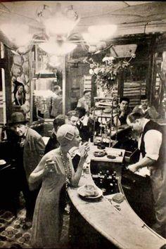 Paris - Les Halles 1920s. By Frank Horvat